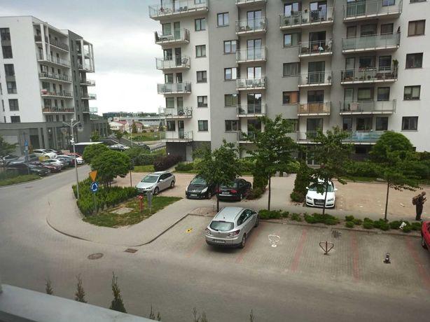 Wynajmę miejsce parkingowe blisko CH Morena przy ul. Hausbrandta 36