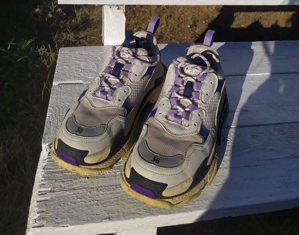 Массивные кроссовки Balenciaga