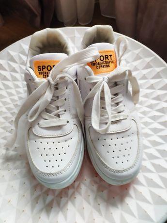 Кросівки  для дівчинки 36 розмір