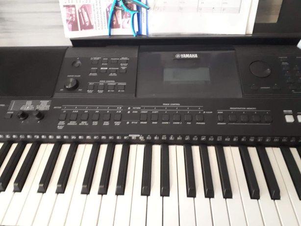 Sprzedam Keyboard YAMAHA PSR E453