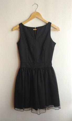 Krótka czarna sukienka mini z tiulowym dołem XS