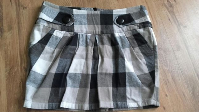 Sprzedam grubą spódnicę marki Cropp, rozmiar S