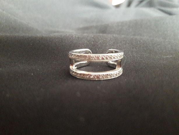 Pierścionek srebrny rozmiar 18
