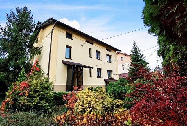 Dom z piękną, dużą działką w idealnej lokalizacji !!!