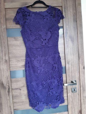 Sukienka koronkowa w kolorze fioletowo- granatowym
