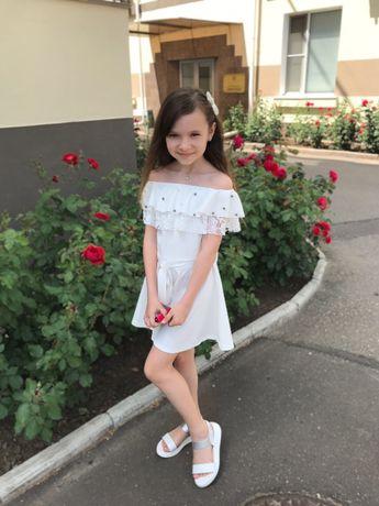 Дешево! Нарядное платье на девочку 8-9 лет. Рост 140. 5+ состояние