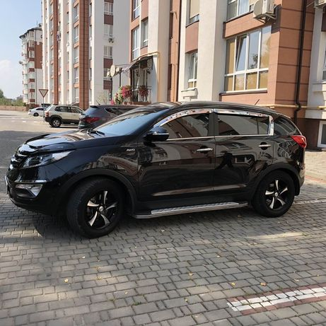 Машина Kia Sportage