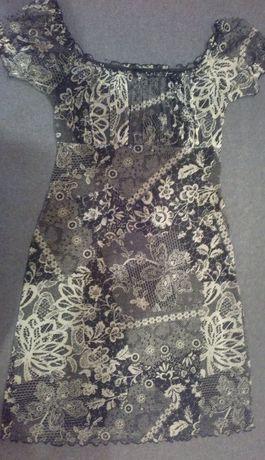 Красивое платье с кружевным принтом на подкладке, р.40-42