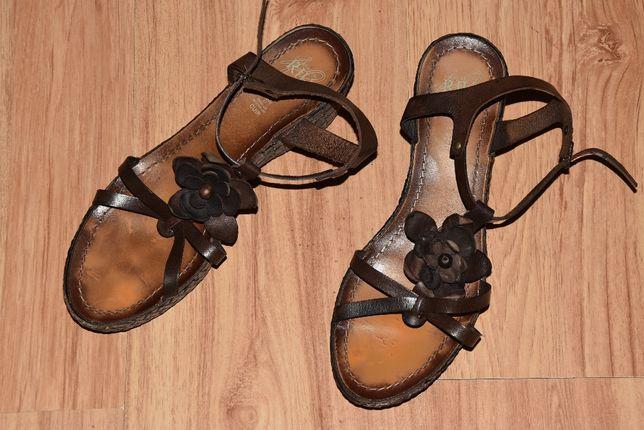 Brązowe sandały na koturnie RIU Jacqueline roz 39