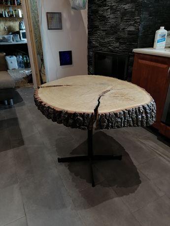 Stolik drewniany ręcznie robiny plaster drewna