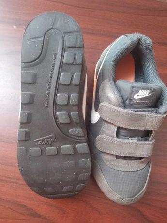 Кросівки Nike б/в для хлопчика