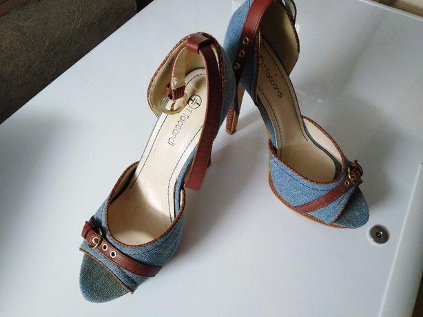 buty na wysokim obcasie, szpilki, wiosna / lato