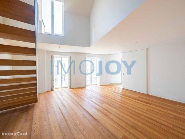 Excelente Apartamento T3 Duplex Novo na Graça