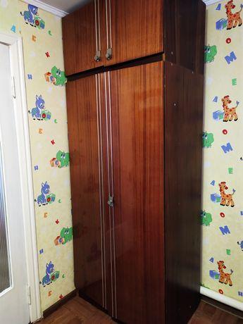 Шкафы в хорошем состоянии.