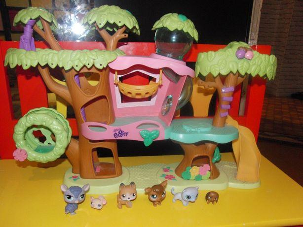 Hasbro Littlest Pet Shop Zestaw Domek na drzewie , figurki