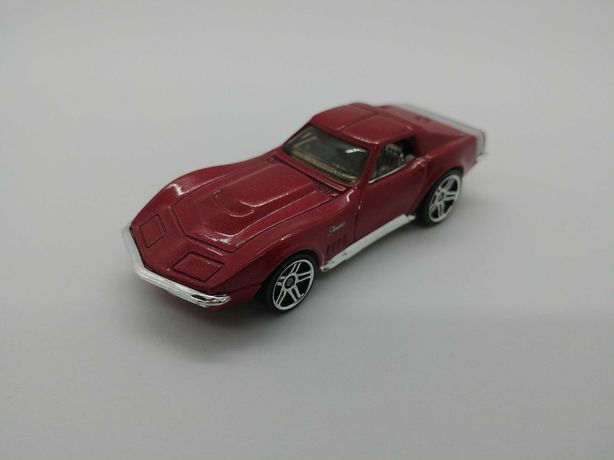 2x Hot Wheels Corvette Subaru
