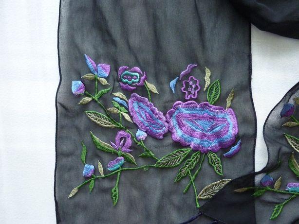szalik apaszka czarna z haftem