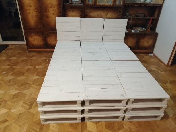 Łóżko z palet drewnianych