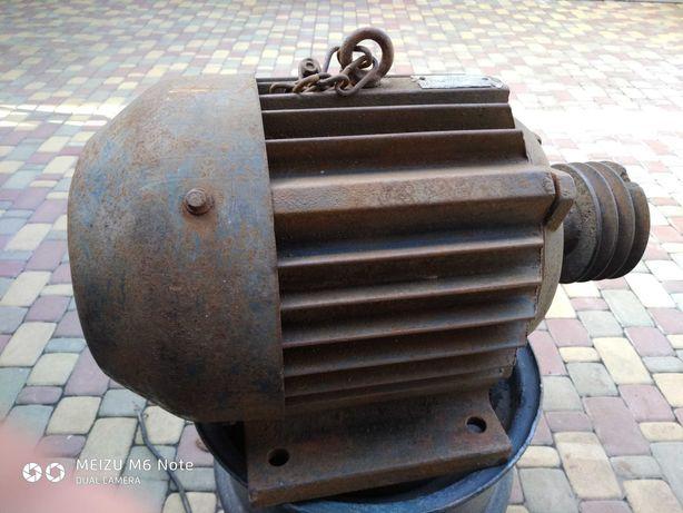 електромотор 7 кв. 1500 об\мн