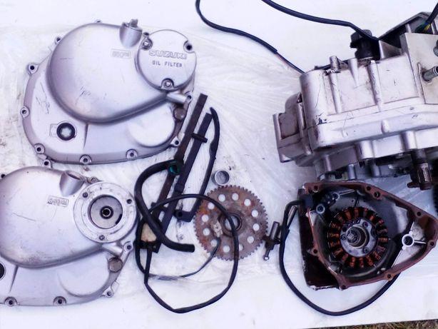 Suzuki Gn 125 silnik , części silnikowe