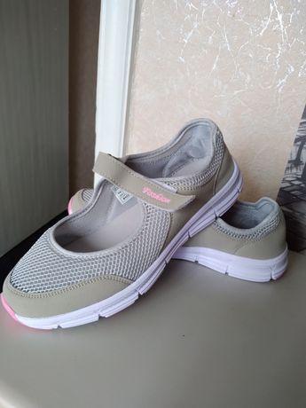 Продам летнюю обувь