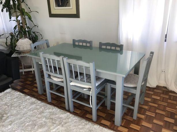 vendo mesa de sala de jantar e cadeiras Companhia Inglesa