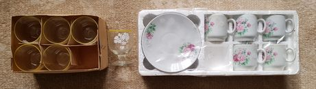Рюмки та набір чашок з тарілками