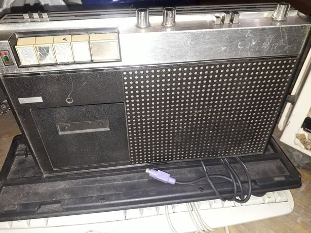 Magnetofon radiomagnetofon unitra Eltra z radiem.