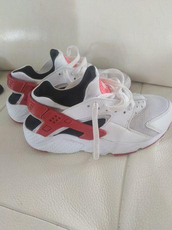 Nike Huarache r. 35