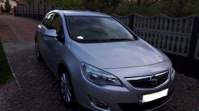 Opel Astra J 2010 r