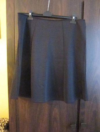 Sprzedam czarną spódniczkę mini rozmiar 46