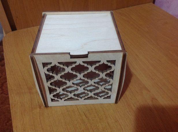 Коробка подарочна шкатулка