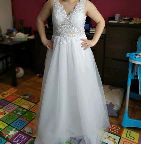 Suknia ślubna  biała plus tren