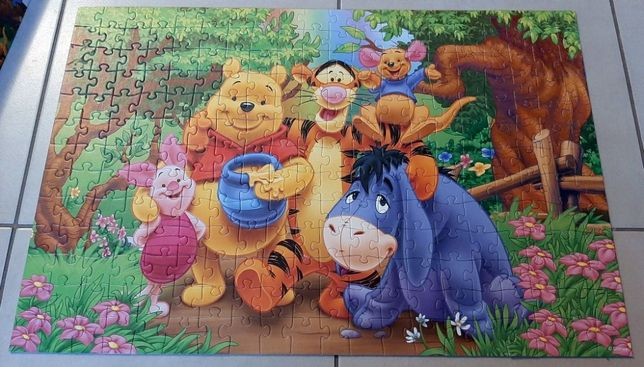 Trefl 13067 Puzzle Kubuś Puchatek i przyjaciele 26 elementów