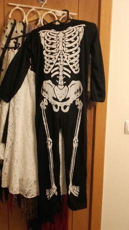 Fato esqueleto 8-10 anos