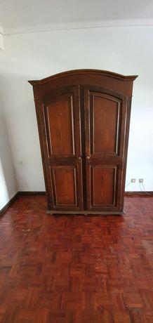 Doa-se mobiliário quarto