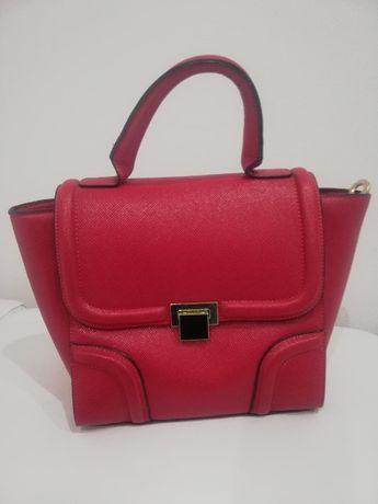 Torebka damska czerwona kuferek