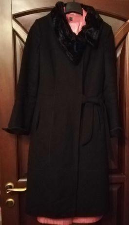 Продам  пальто Correrá.