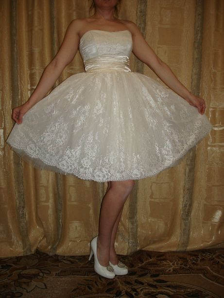 Стильное свадебное/ выпускное платье