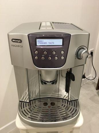 Кофемашина Delonghi Magnifica Esam 4400