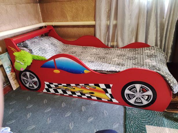 Кровать машина детская