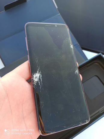 Samsung S9+ uszkodzony na części