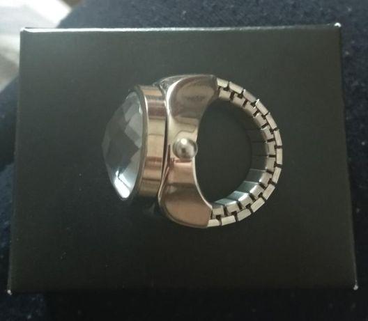 Перстень-часы фирмы Avon