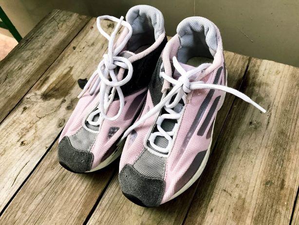 Детские классные кроссовки с кожаными вставками