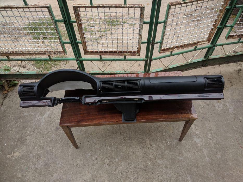 Продам подлокотник, торпедо, туннель с деревянными вставками Audi a4b5 Мелитополь - изображение 1