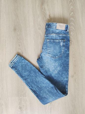 Spodnie jeansowe Bershka 36 przecierane