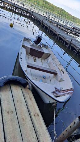 Sprzedam łódź łódka z silnikiem Seaking 2.6km