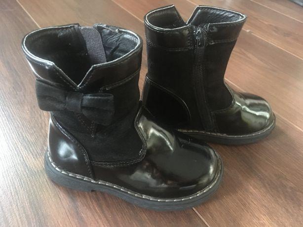 Buciki botki kozaki dziewczęce czarne lakierowane Stan IDEALNY