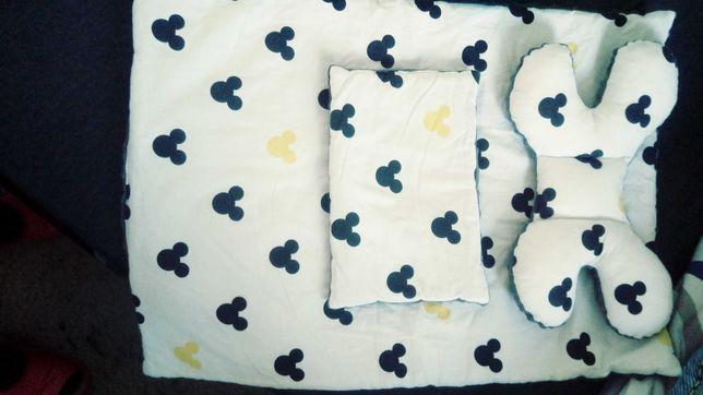 Kołderka i 2 poduszki do gondoli