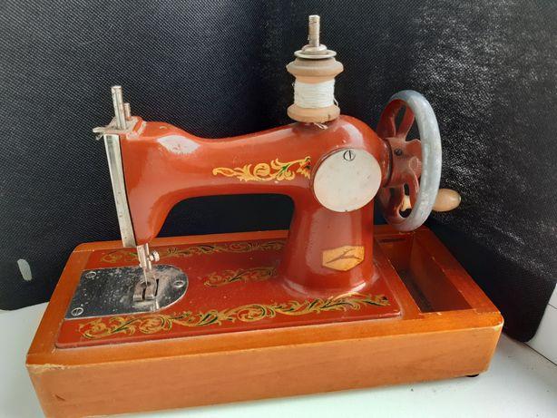 Детская швейная машинка СССР